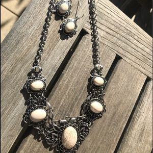 fashion necklace w matching earrings unique